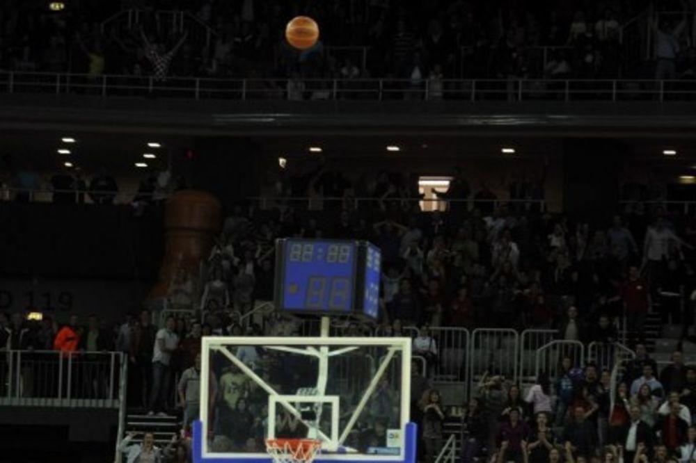 (VIDEO) KECMAN BRŽI OD ZVUKA: Trojkom za 0,6 sekundi Partizan savladao Cibonu usred Zagreba