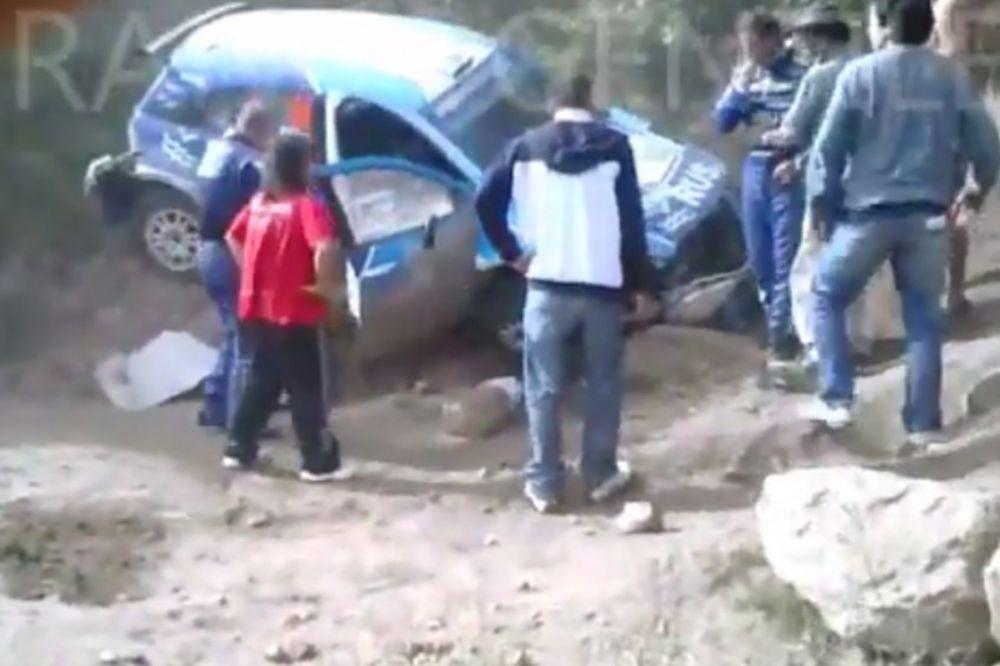 (VIDEO) SLETEO SA STAZE: Bivši argentinski teniser imao nesreću na reliju