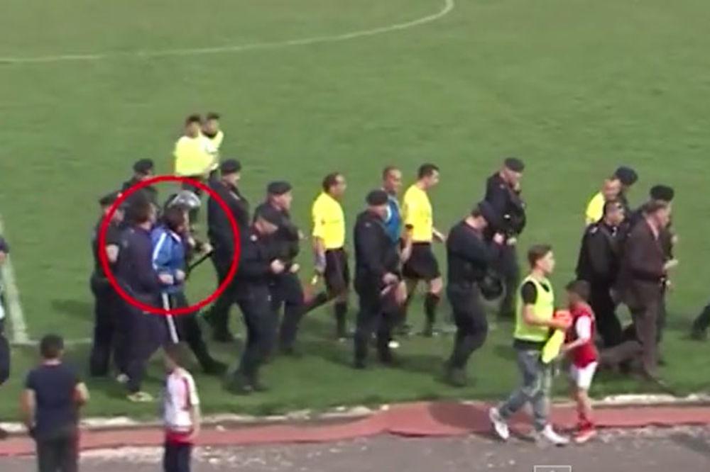 (VIDEO) LUDILO U MITROVICI: Fudbaleri i funkcioneri Trepče hteli da linčuju sudiju!