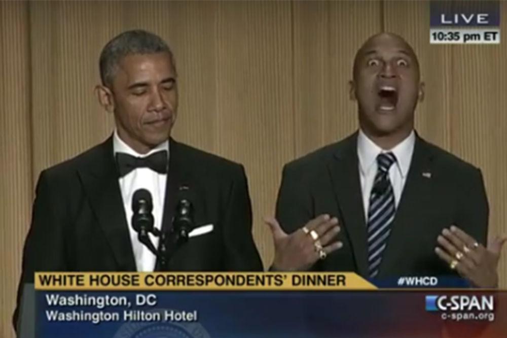 (VIDEO) OBAMA NAPRAVIO URNEBES: Doveo tumača da kaže zvanicama šta šef Bele kuće zaista misli!