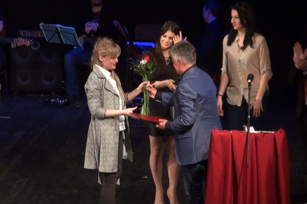 SPUŠTENA ZAVESA: Predstava Nosorog dobila 3 festivalske nagrade