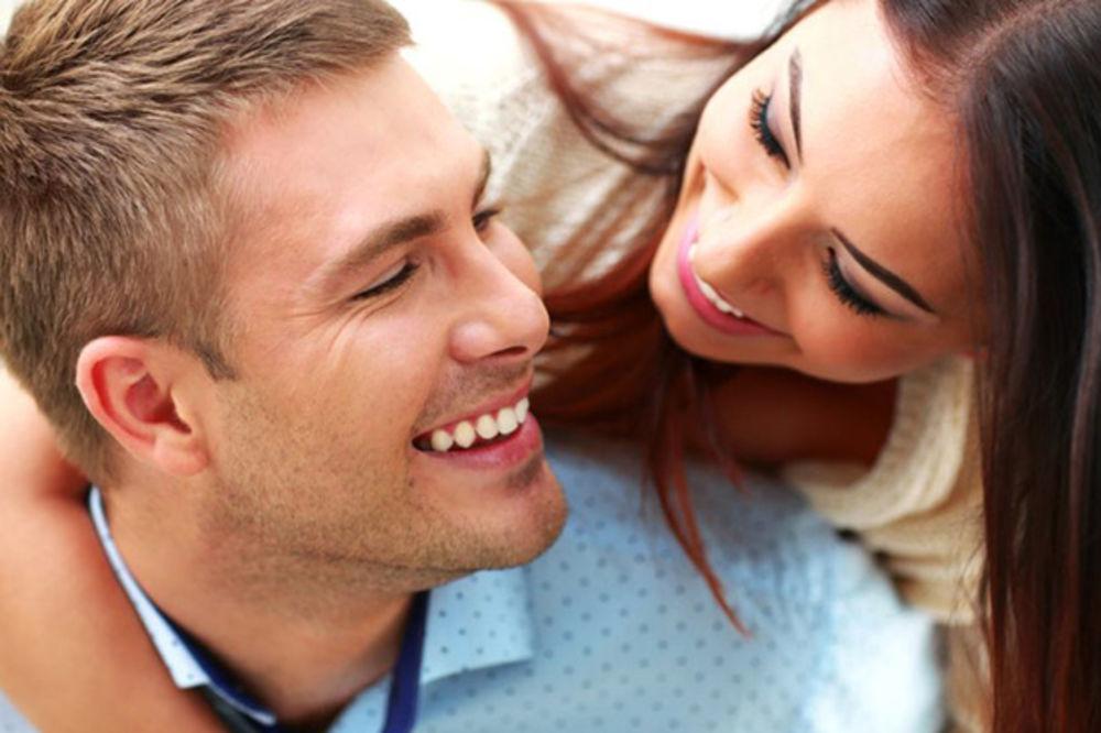 OVO NISTE OČEKIVALI: Kako zubi utiču na erekciju?