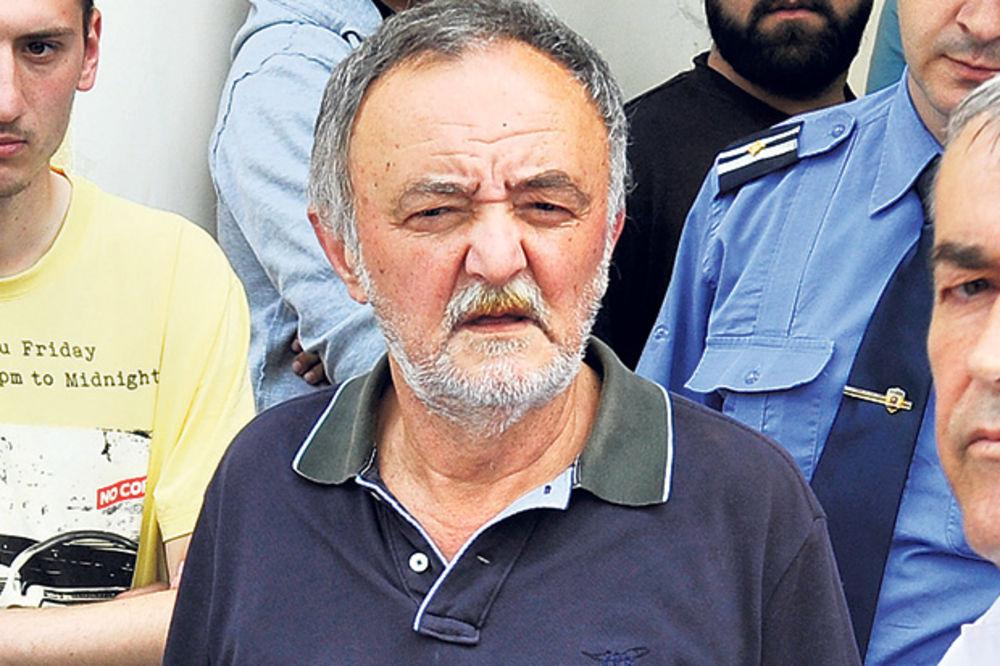 KOMŠIJE SPREČILE ISELJENJE Admiral Rajčević: Od rata mi je teže pala borba za stan!