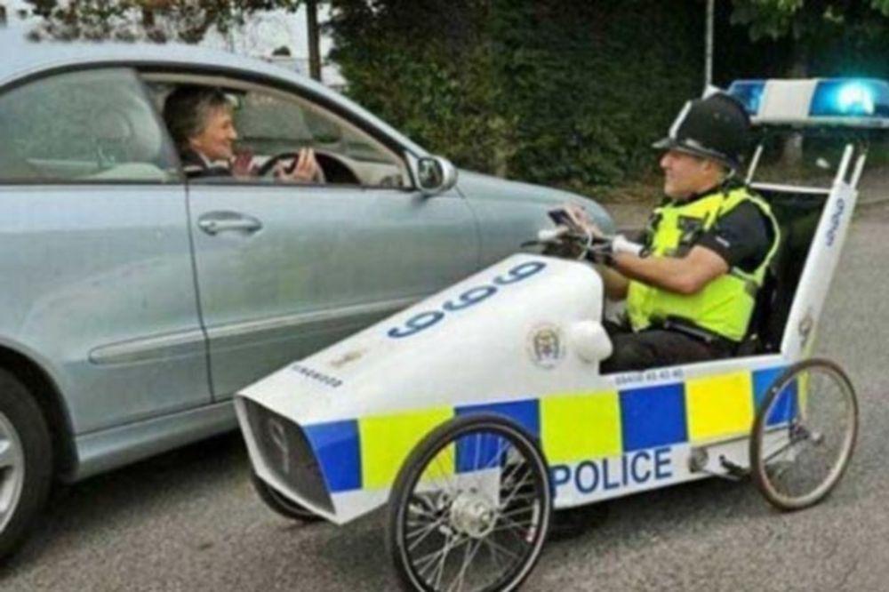 (FOTO) KAD JE FRKA ZOVI 192: Ovako izgledaju policijski automobili širom sveta!