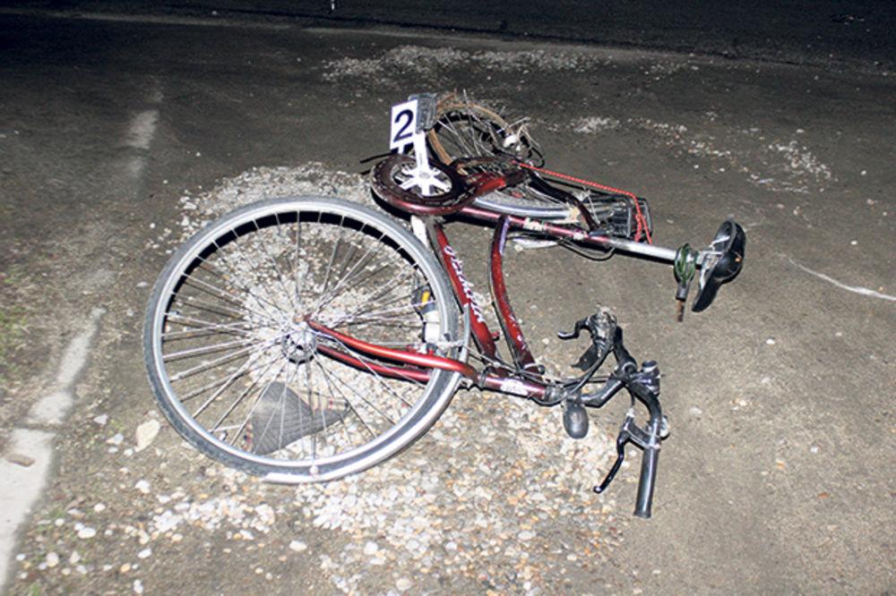 Dečak udario biciklom u auto
