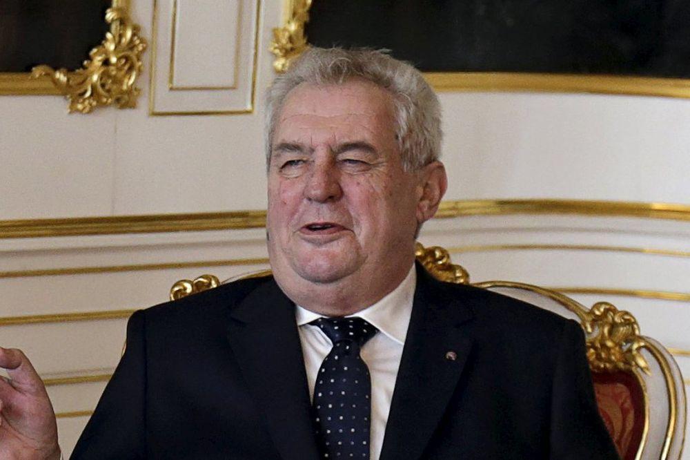 Miloš Zeman: Treba primiti manji broj porodica s bolesnom decom i progonjene iračke hrišćane (Foto: Reuters)