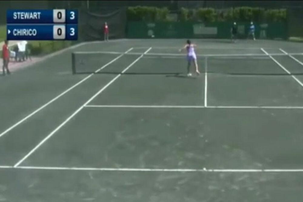 (VIDEO) OBRUKALA SE ZA MEDALJU: Da li je ovo najgori potez u istoriji tenisa?