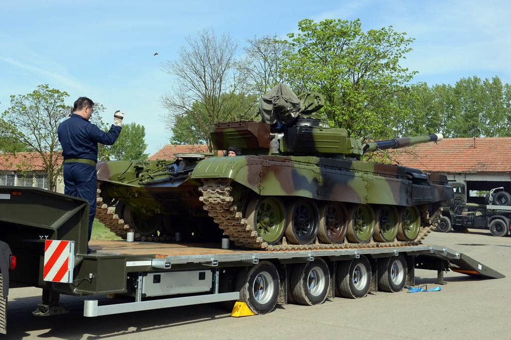 The Russian Military Automotive Fleet - Page 2 Vucni-voz-tenk-m-84-nabavka-foto-ministarstvo-odbrane-srbije-1430392268-651527