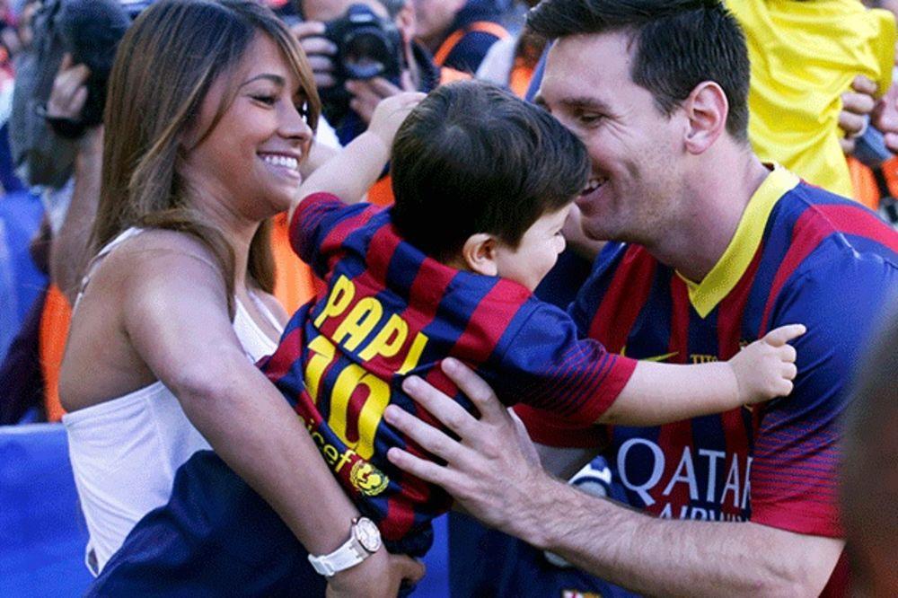 (FOTO) RODA OPET SLETELA U DOM MESIJA: Argentinac potvrdio da će drugi put postati otac