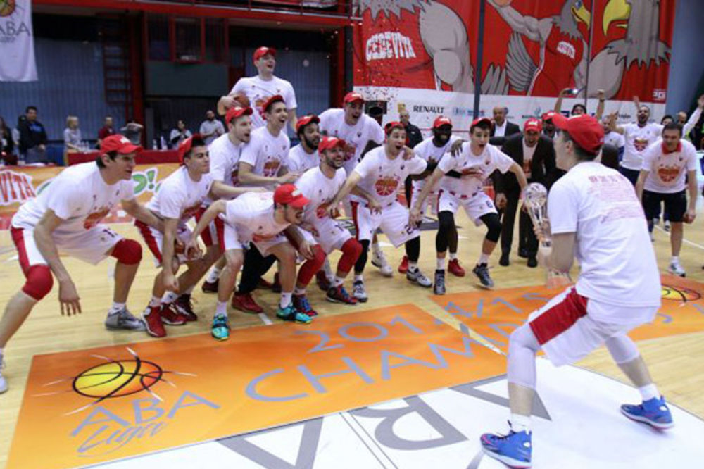 ZVEZDA PALI MOTORE U BEOGRADU: Crveno - beli počinju pripreme 10. avgusta