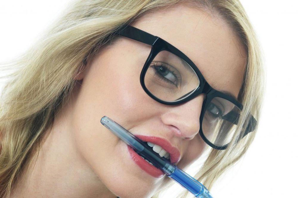 Da li znate zašto čep od hemijske olovke ima rupice na dnu? Odgovor će vas iznenaditi!