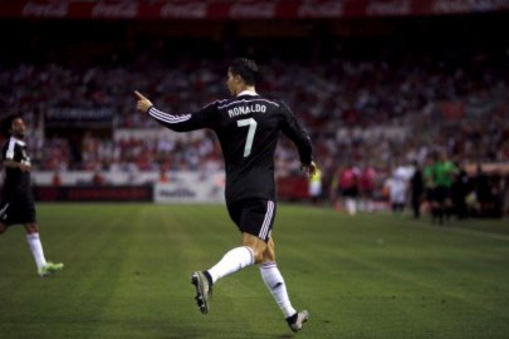 (VIDEO): NOVI HET - TRIK: Ronaldo zaustavio Sevilju i prestigao Mesija