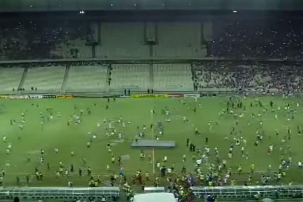 (VIDEO) JURIŠ: Pogledajte makljažu navijača u Brazilu