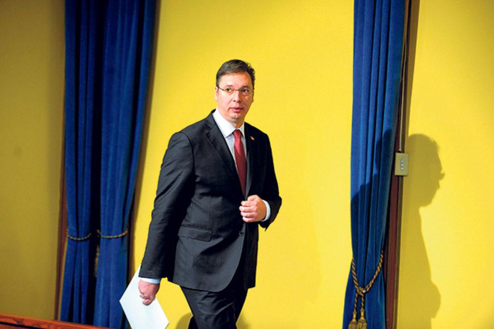ZLOUPOTREBE: Direktori JP uzimali pare u Vučićevo ime