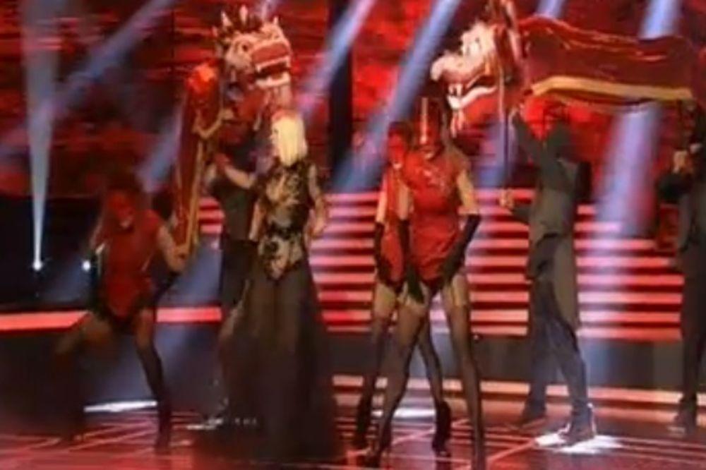 UŽIVO PINK MJUZIK FESTIVAL: Dara Bubamara oduševila scenskim nastupom