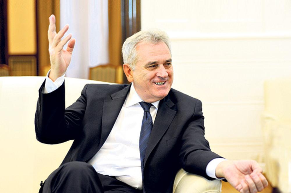 VELIKI APETITI: Nikolić hoće da smeni Vučića?!