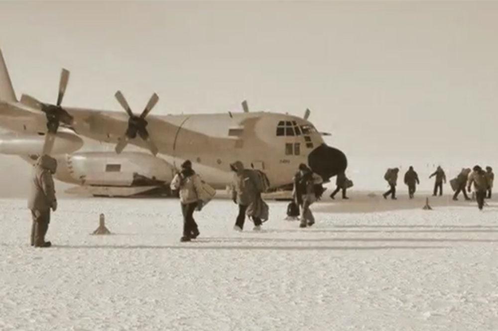 Rozgov je bio učesnik Sovjetske Antarktičke ekspedicije, ekipe od 12 ljudi koji su imali zadatak da izgrade novu bazu na Južnom polu (Foto: Printscreen YouTube)