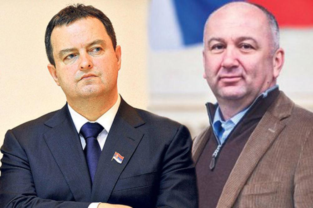 Popović: Dačiću, vi samo Srbe optužujete! Dačić: Popoviću, rukovao si se sa Solanom!