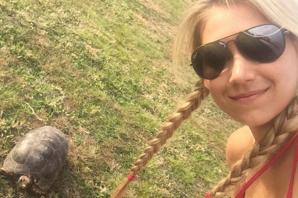 (FOTO, VIDEO) NE PRESTAJE DA BLISTA: Pogledajte kako danas izgleda Ana Kurnjikova