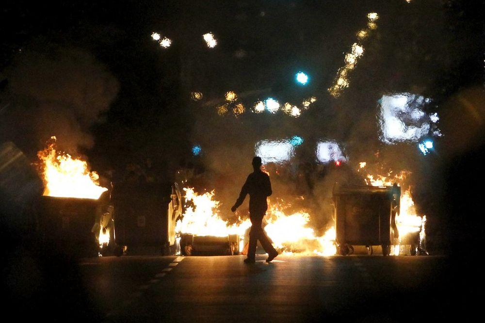 PRIZNALI DA SU IZAZIVALI NEREDE: Uslovne kazne za 7 skopskih demonstranata