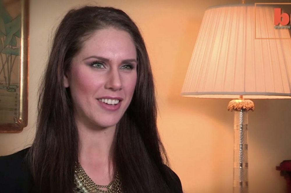(VIDEO) Život sa dve vagine: Žena (22) šokirala javnim priznanjem!