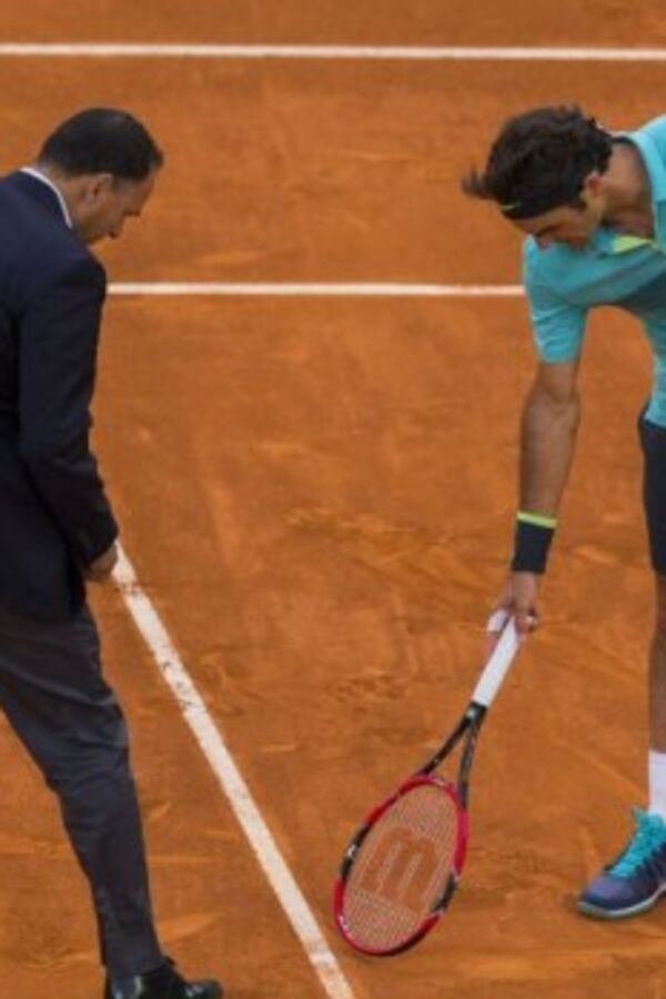 (VIDEO) BESAN KAO NIKAD PRE: Pogledajte kako je Federer prokomentarisao odluke linijskih sudija
