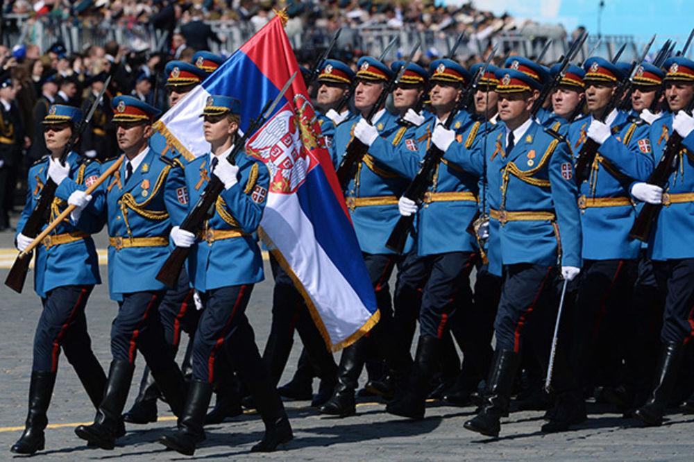 (VIDEO) KAD SRBI MARŠIRAJU MOSKVOM: Ovako je Garda Vojske Srbije protutnjala Crvenim trgom!