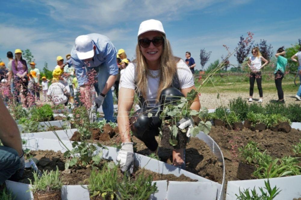 NADA SE USPEHU: Nikolina Moldovan sadi cveće i obećava medalje