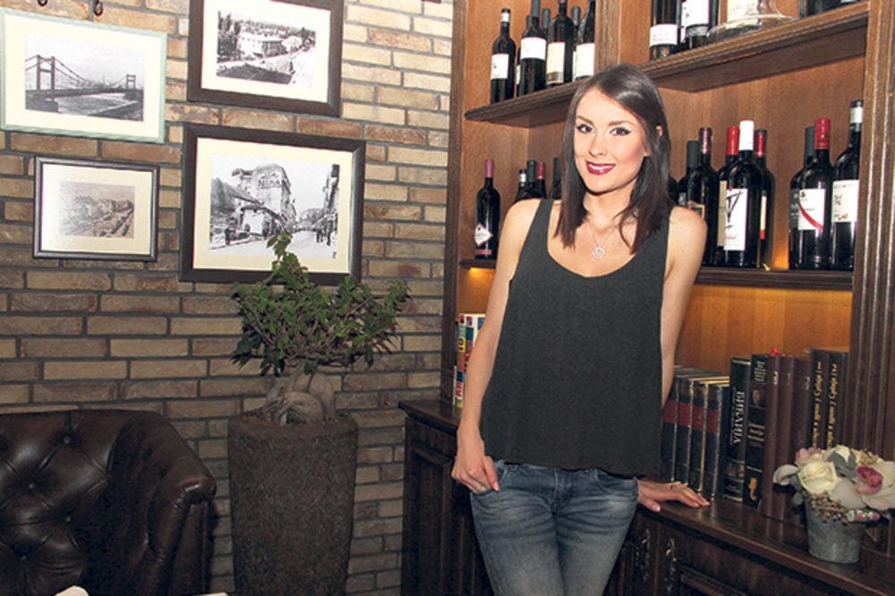 (FOTO) KONAČNO PRIZNALI VEZU: Pogledajte sa kim se kupa Dragana Mićalović