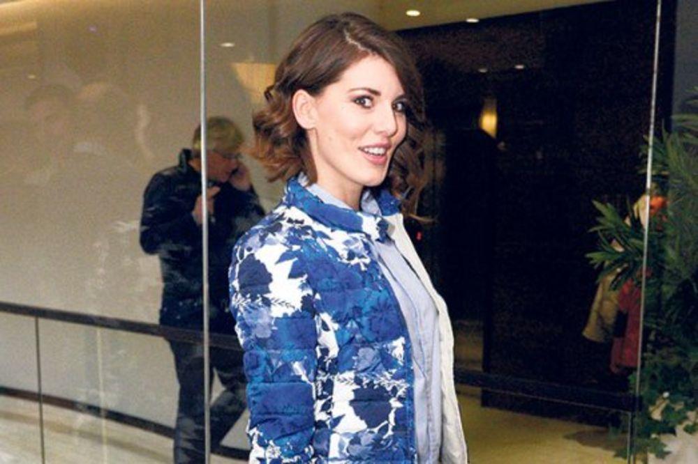 KANSKI FESTIVAL: Tamara Dragičević u patikama na crvenom tepihu