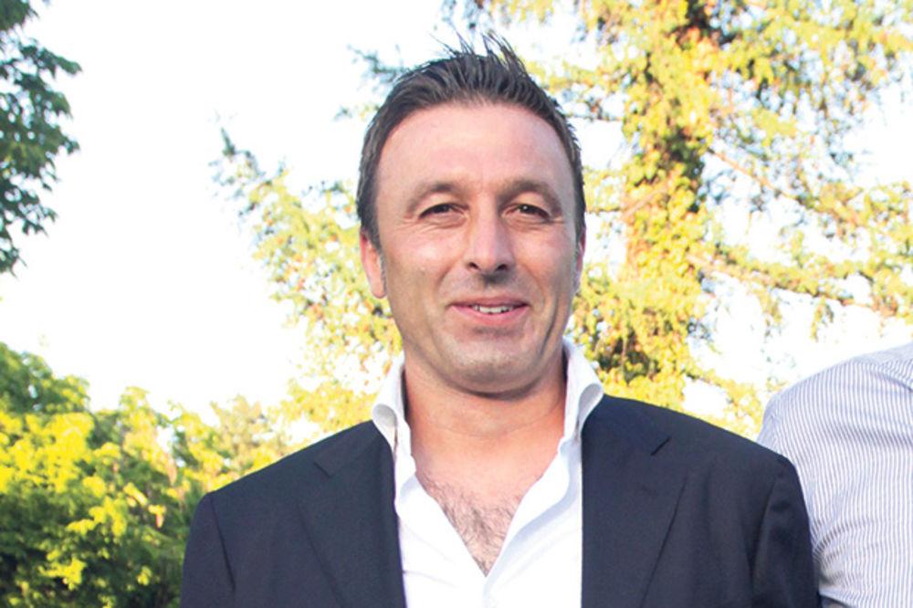 Vozač kombija: Neko štiti fudbalera Sakića