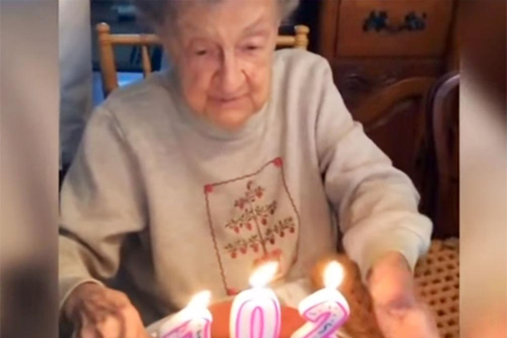 (VIDEO) SREĆAN 102. ROĐENDAN: Evo šta se desi kad sa toliko godina prejako duneš u tortu!