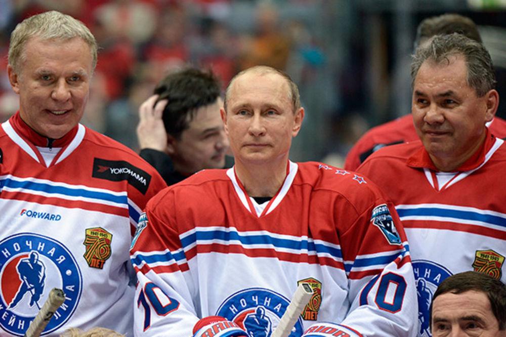 (VIDEO) DEMONSTRIRAO UMEĆE: Putin na hokej utakmici dao osam golova