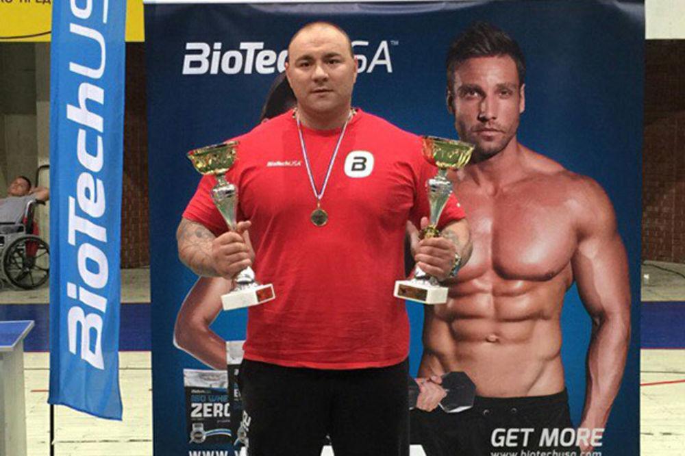 NAJAVIO OBARANJE DRUGOG SVETSKOG REKORDA: Rade Savić osvojio prvenstvo Srbije sa podignutih 260 kg