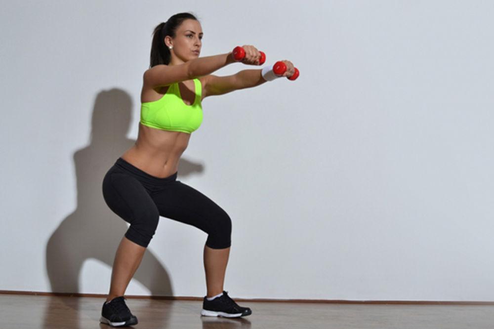 (VIDEO) DO ZATEGNUTIH NOGU ZA SAMO 10 MINUTA: Super trening koji sagoreva višak masnoća i kalorija