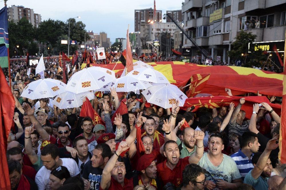 Podrška premijeru Grujevskom: Proključalo Skoplje