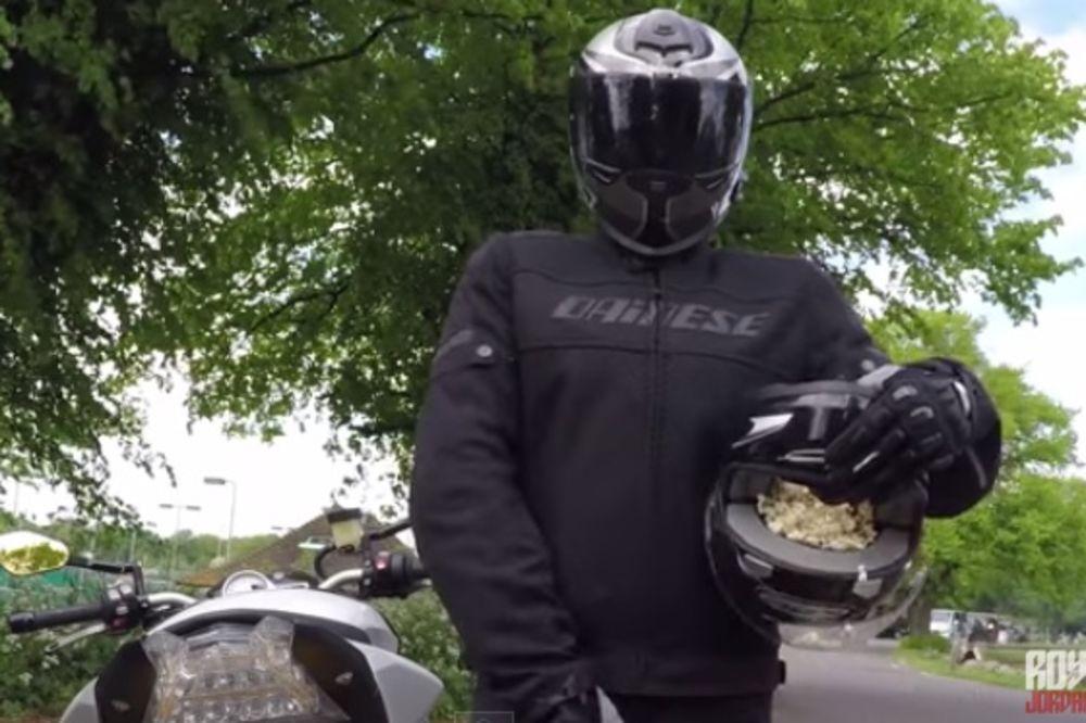(VIDEO) IMATE MOTOCIKL? Pogledajte kako da iskokate kokice!