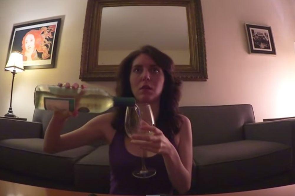 (VIDEO) DA LI SE PREPOZNAJETE: Evo kako piju muškarci, a kako žene kada su sami