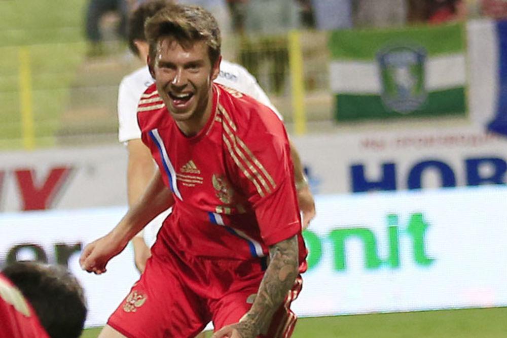 SVE OTKRILA NA INTERNETU: Supruga ostavila ruskog fudbalera kada je postigao gol karijere!