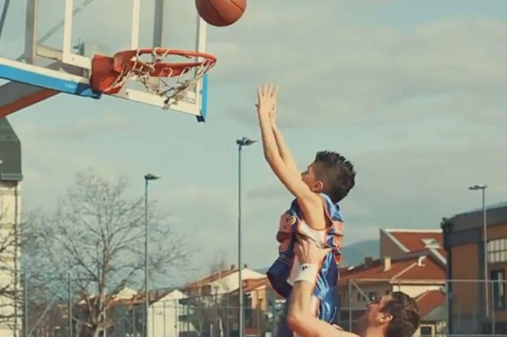 (VIDEO) HIT PRED EVROBASKET: Najveća imena srpske košarke u muzičkom spotu