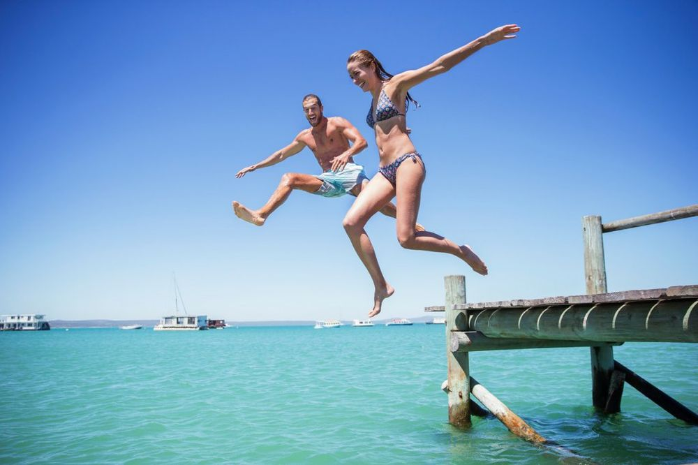 NEMA NAZAD: 6 stvari koje morate da znate ako želite vezu sa najboljim prijateljem!