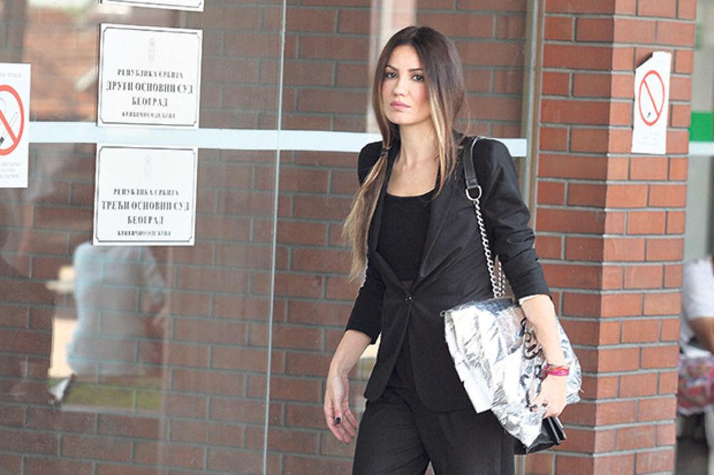 AGONIJA: Sindi traži da joj uhapse bivšeg muža