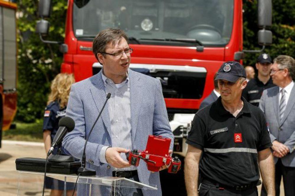 SRPSKOM NARODU OD RUSIJE Vučić: Hvala na donaciji za vatrogasnu službu, umećemo to da cenimo
