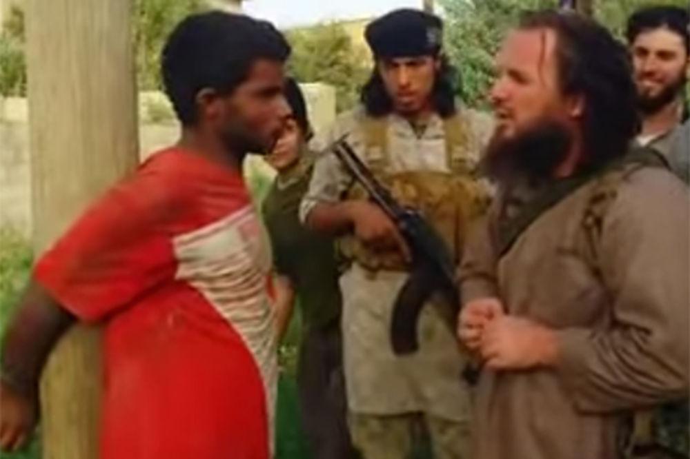 (UZNEMIRUJUĆI VIDEO) NOVO ZVERSTVO ISIL: Razneli mladića raketom iz bazuke!