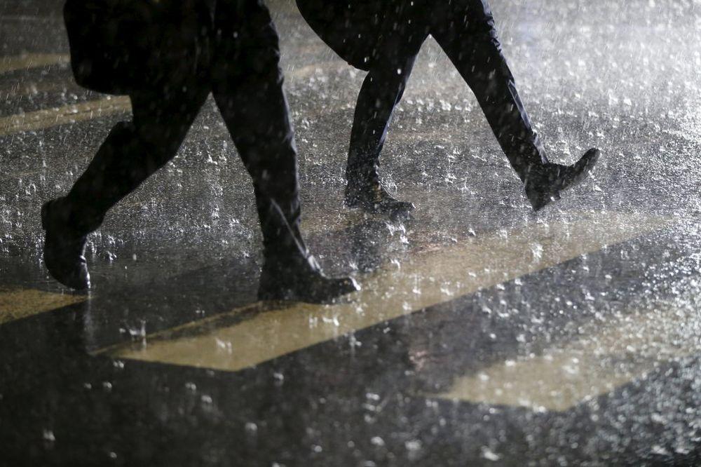 NOVI POTOP U NAJAVI: Večeras u Srbiji jak vetar, grad i 20 litara kiše za samo tri sata