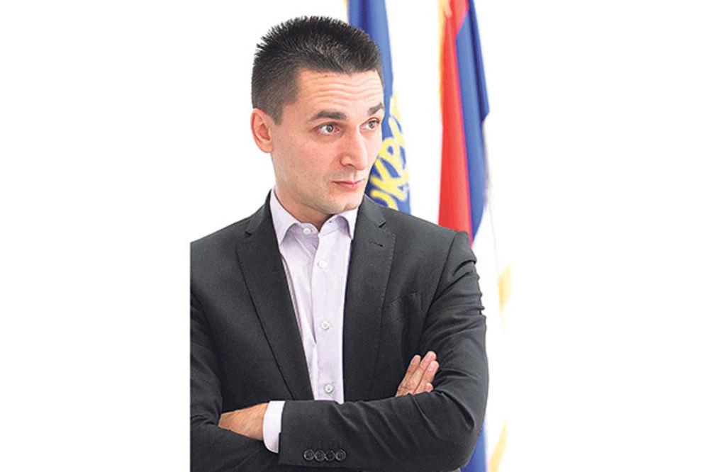 ZLOUPOTREBE: Predsednik opštine Vračar zbog mame mora da leti sa funkcije!