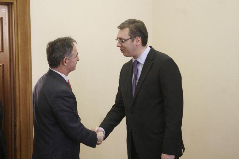 VUČIĆ UGOSTIO PUPOVCA: Srbija za dijalog i saradnju u regionu