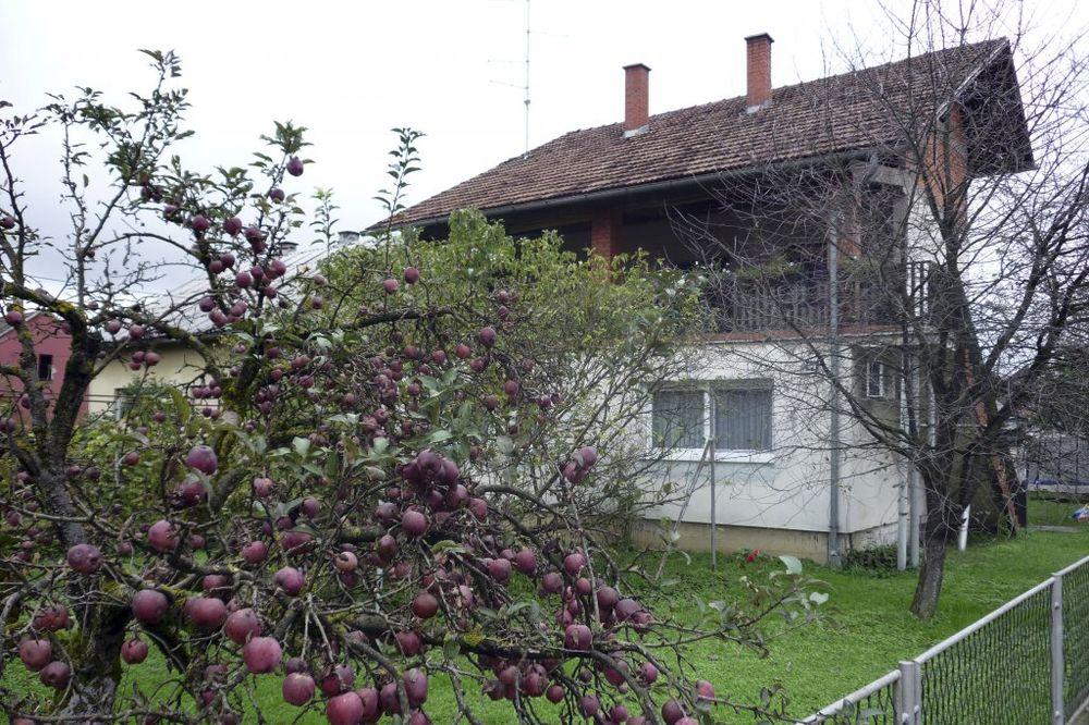 HRVATI PRODAJU BUDZAŠTO: Kuća sa okućnicom i za 10.000 evra