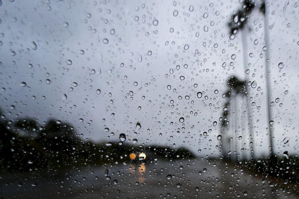 ZAHLAĐENJE DO PETKA: Sutra jaka kiša, vetar i grad