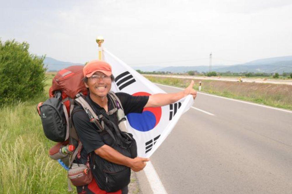 KOREJAC U SRBIJI: Pošao peške od Istanbula za Španiju pa zastao u Pirotu